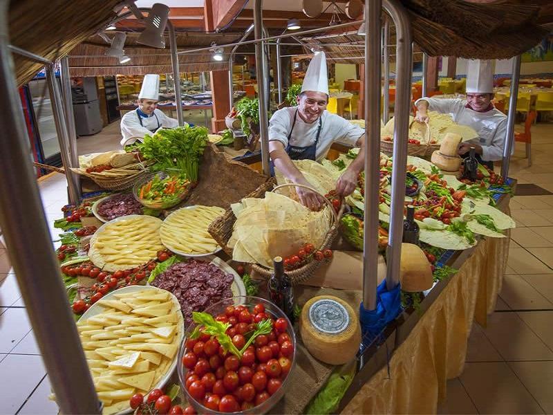 Calaserena Village_buffet